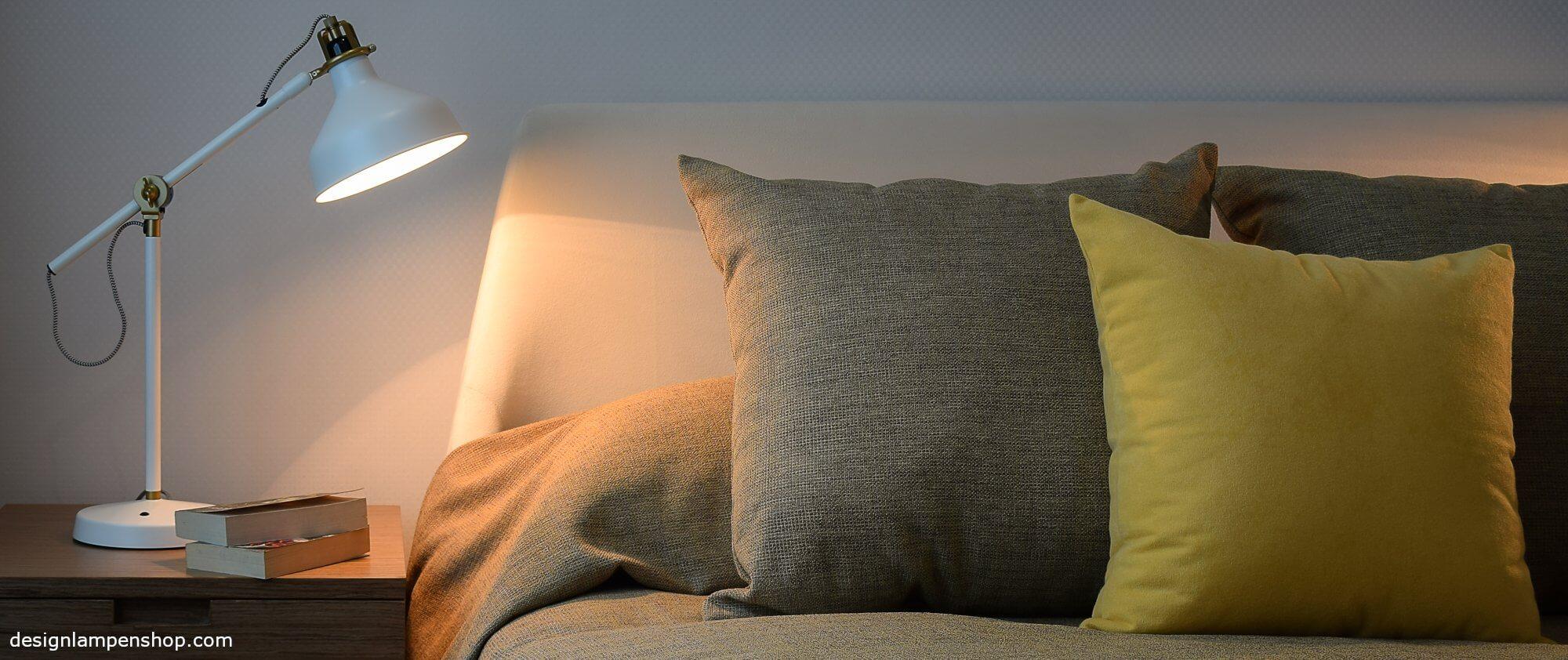 Nachhtischlampe als Leselampe am Bett
